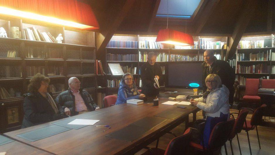 Hospital de Benasque y Fundación Musèu Etnologic dera val d'Aran se reúnen para conocer el fondo documental.