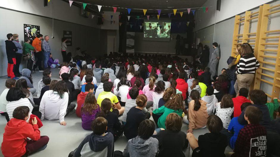 """Entrega de diplomas a los alumnos de la Escuela Garona que han participado en el 2º Concurso de Cortometrajes """"Vielha e Mijaran: Montaña y Cine"""""""